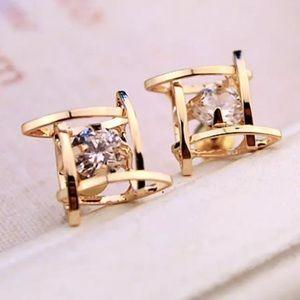 NEW!💙💎GOLDEN! CAGED DIAMOND CZ STUDS!💎💙MODERN!